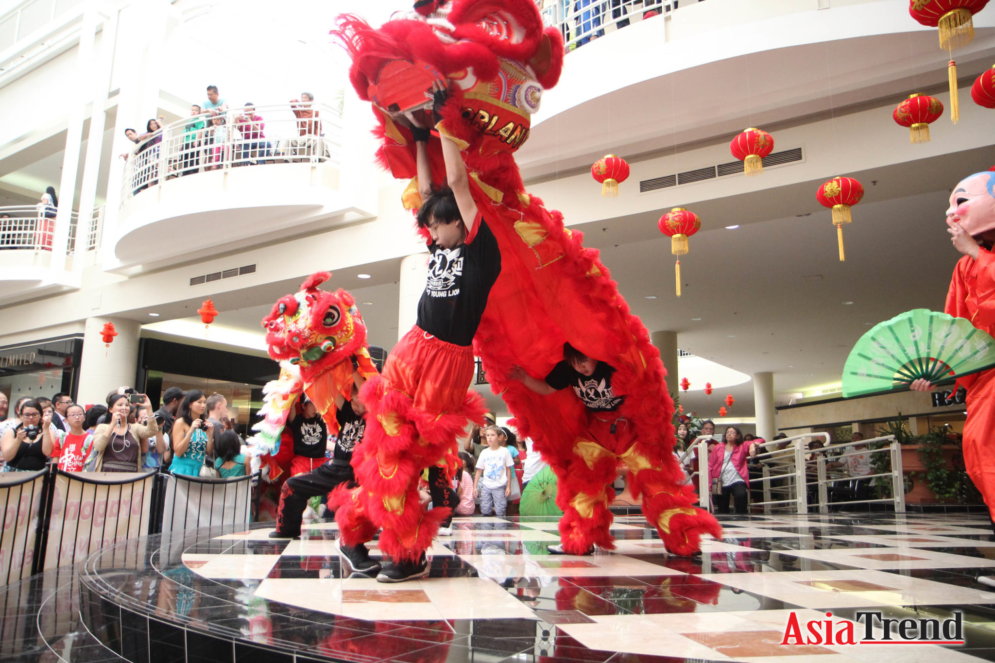 Dragon Parade Lunar New Year 2015 Stage Performance at Orlando Fashion Square